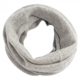 Grå strikket halsvarmer i ren cashmere