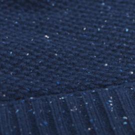Blå nistret beanie i strikket cashmere