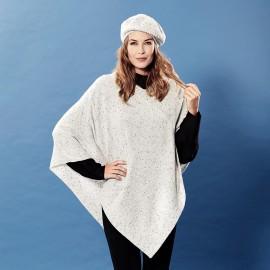 Hvid strikket poncho i cashmere med nister
