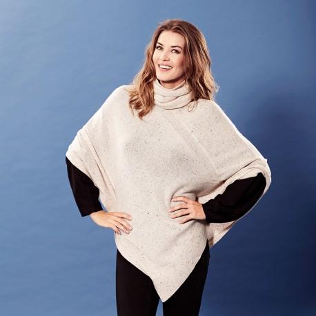 Beige strikket poncho i cashmere med nister