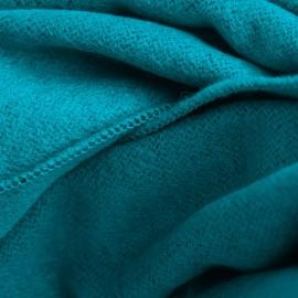 Petroleumsblåt silkesjal i børstet silke
