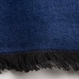Marineblåt silkesjal i børstet silke