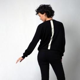 Sort silke/cashmere bluse med hvid stribe bagpå