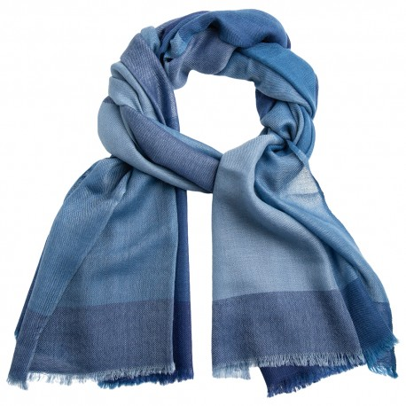 Ternet cashmere tørklæde i blå nuancer
