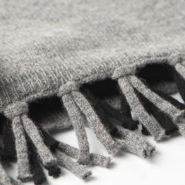 Sort og gråt halstørklæde i merino/cashmere