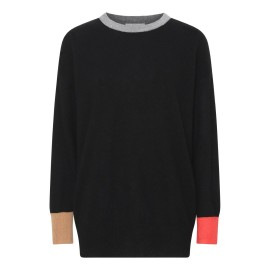 Sort sweater med detaljer i grå, orange og camel