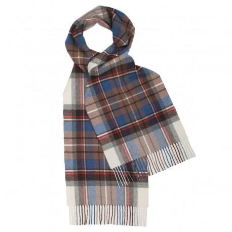Lyseblåt skotskternet tørklæde