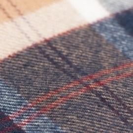 Mørkeblåt skotskternet tørklæde