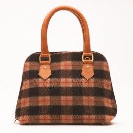 Håndtaske i læder og uld i jordfarver