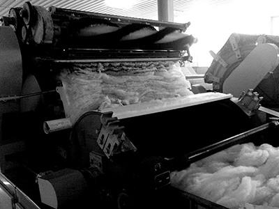 Maskine til afhåring af cashmere fibrene